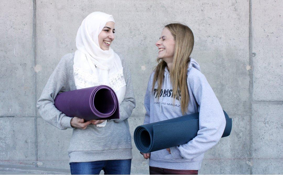 Bettina Schuler Yogaunterricht für geflüchtete Frauen